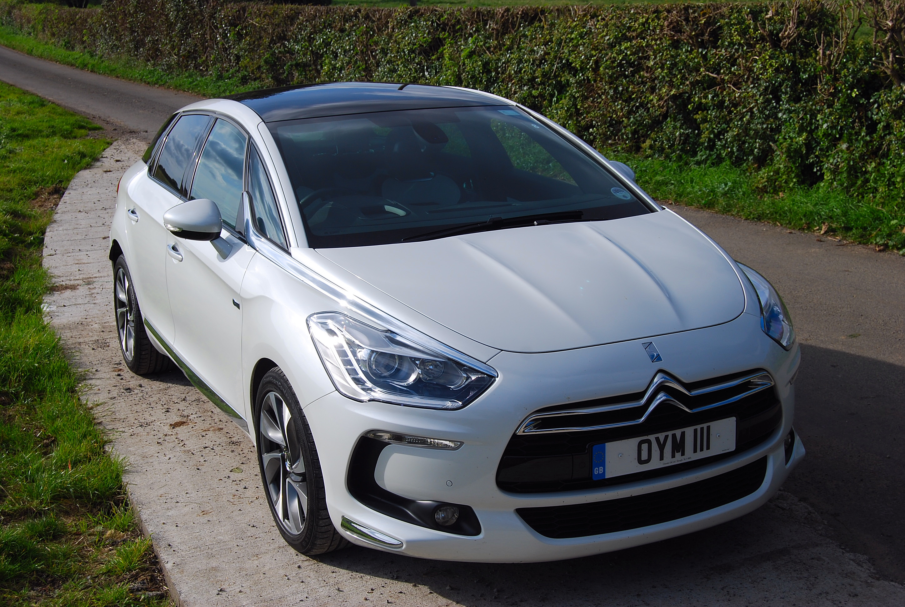 citroen ds5 dsport hybrid4 first drive driving torque. Black Bedroom Furniture Sets. Home Design Ideas