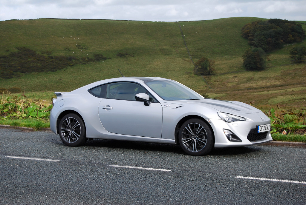 toyota gt86 automatic review driving torque. Black Bedroom Furniture Sets. Home Design Ideas
