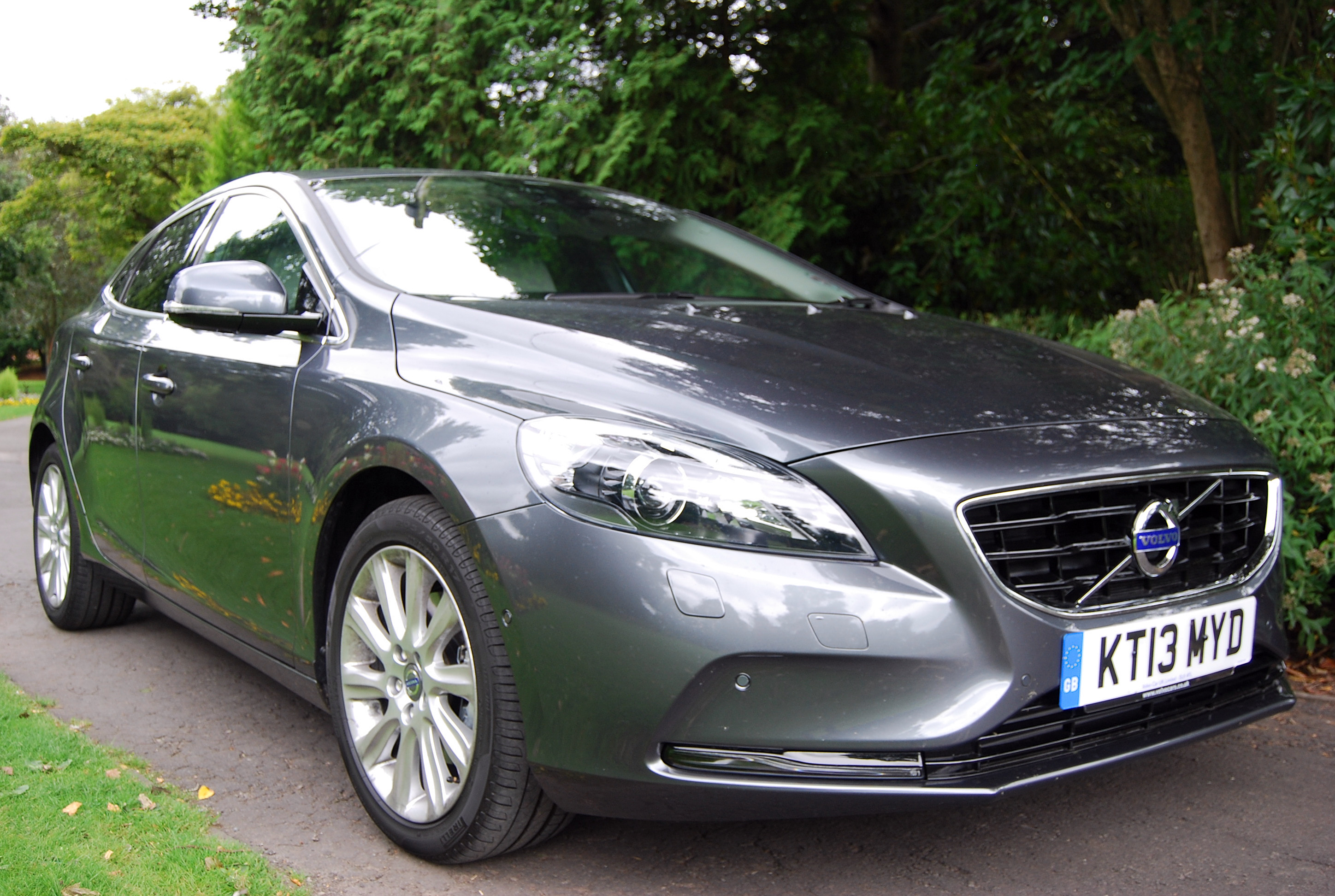 volvo v40 d2 powershift review driving torque. Black Bedroom Furniture Sets. Home Design Ideas
