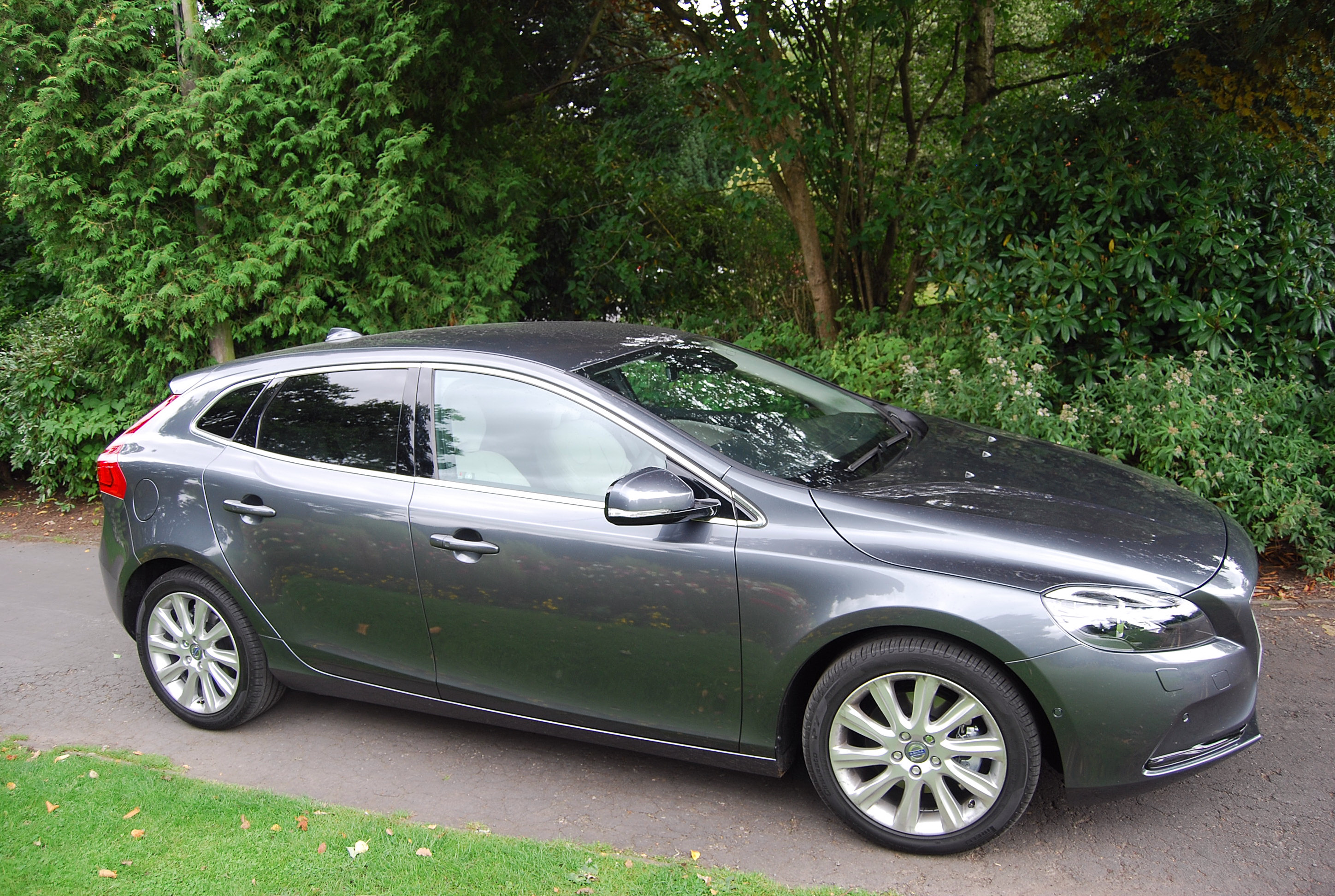 volvo v40 d2 powershift se lux driven and reviewed. Black Bedroom Furniture Sets. Home Design Ideas
