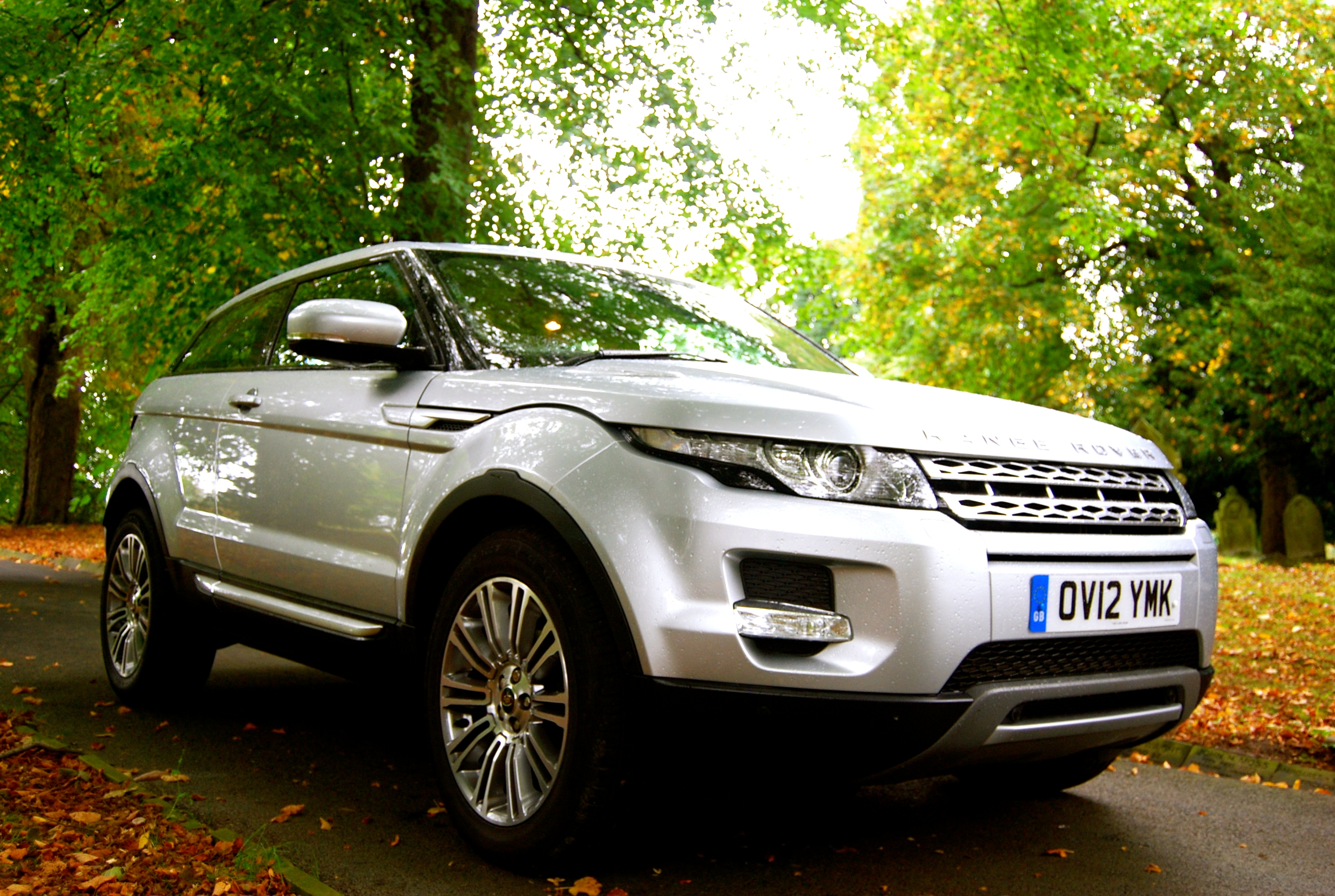 range rover evoque coupe sd4 review driving torque. Black Bedroom Furniture Sets. Home Design Ideas