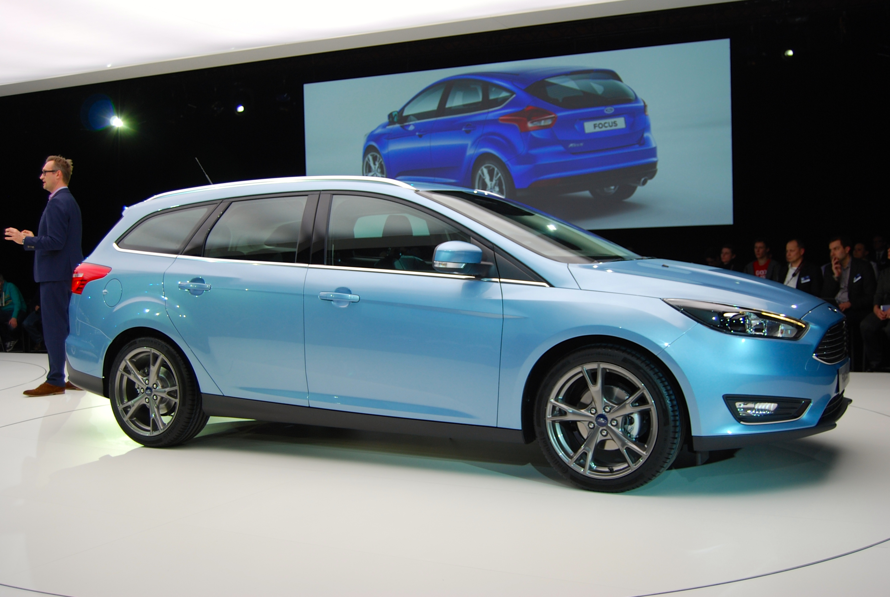 2014 ford focus exclusive launch pictures driving torque. Black Bedroom Furniture Sets. Home Design Ideas