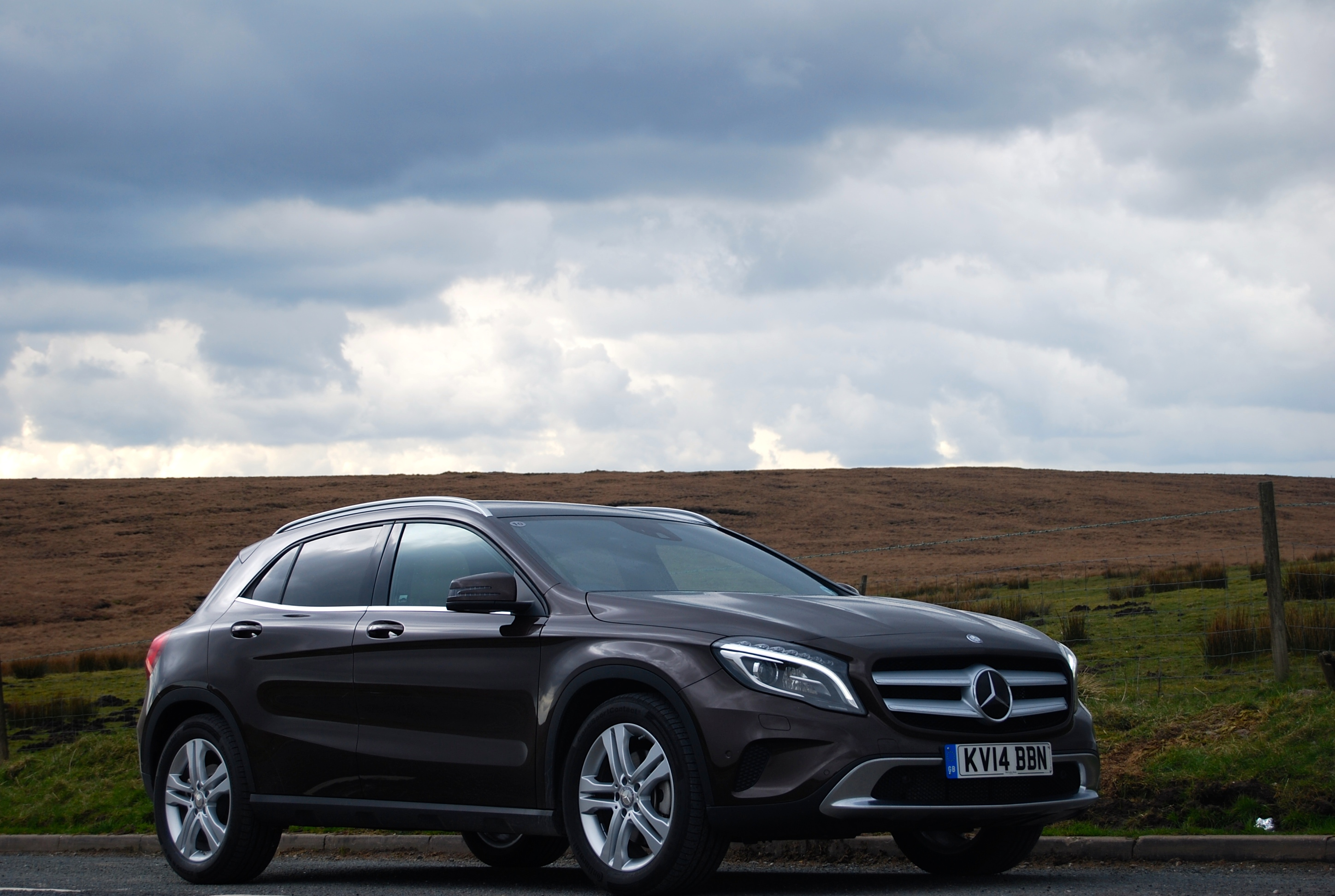 mercedes gla class first drive review driving torque. Black Bedroom Furniture Sets. Home Design Ideas