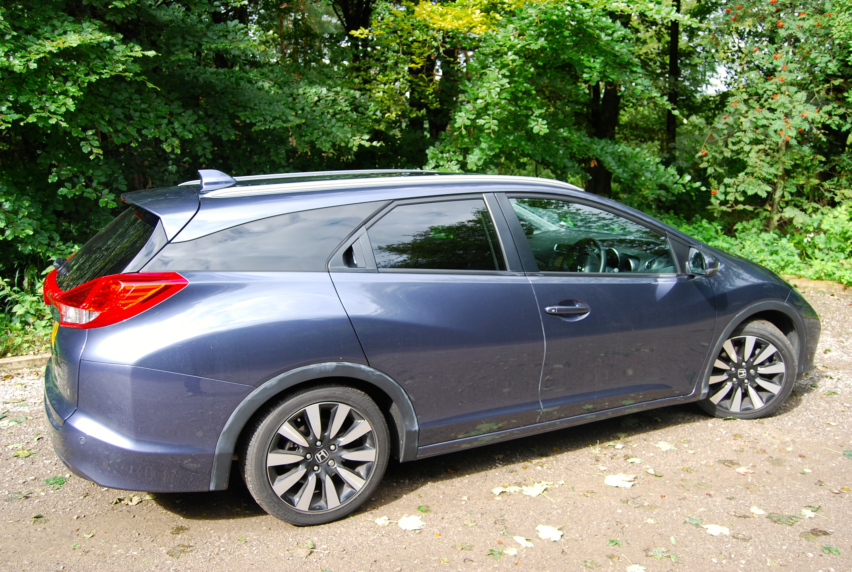 honda civic tourer 1 8 i vtec driven and reviewed. Black Bedroom Furniture Sets. Home Design Ideas