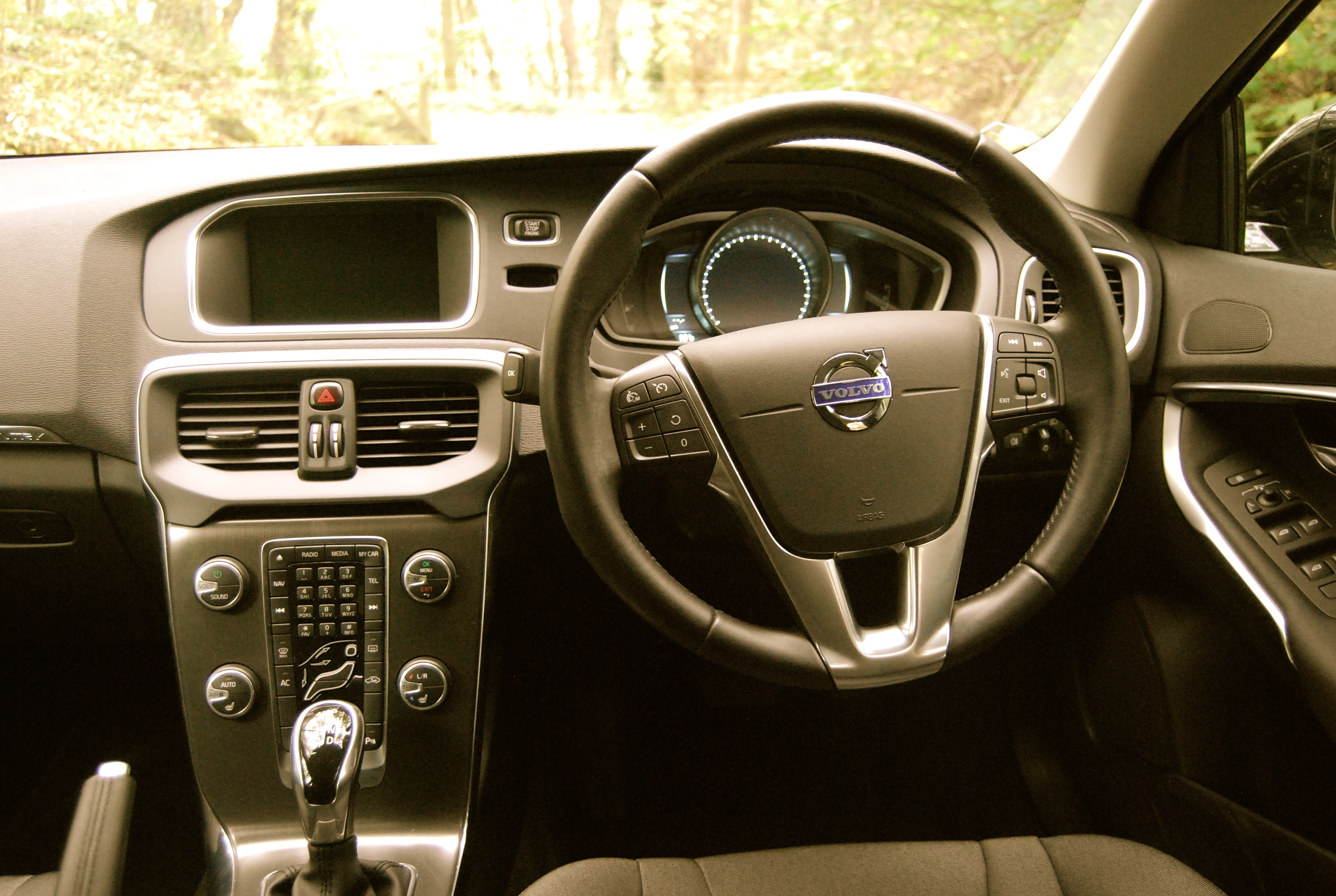 Volvo v40 cross country driven and reviewed driving torque for Interior volvo v40