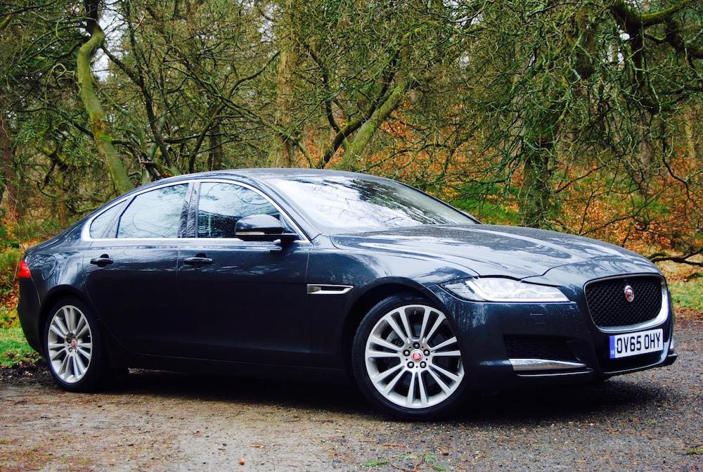 jaguar xf prestige 2 0 i4 review driving torque. Black Bedroom Furniture Sets. Home Design Ideas