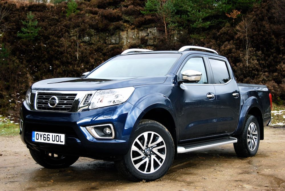 all new nissan navara tekna auto review driving torque. Black Bedroom Furniture Sets. Home Design Ideas