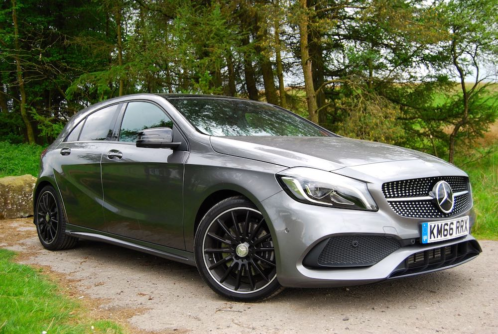 mercedes a 220 d 4matic amg line review driving torque. Black Bedroom Furniture Sets. Home Design Ideas